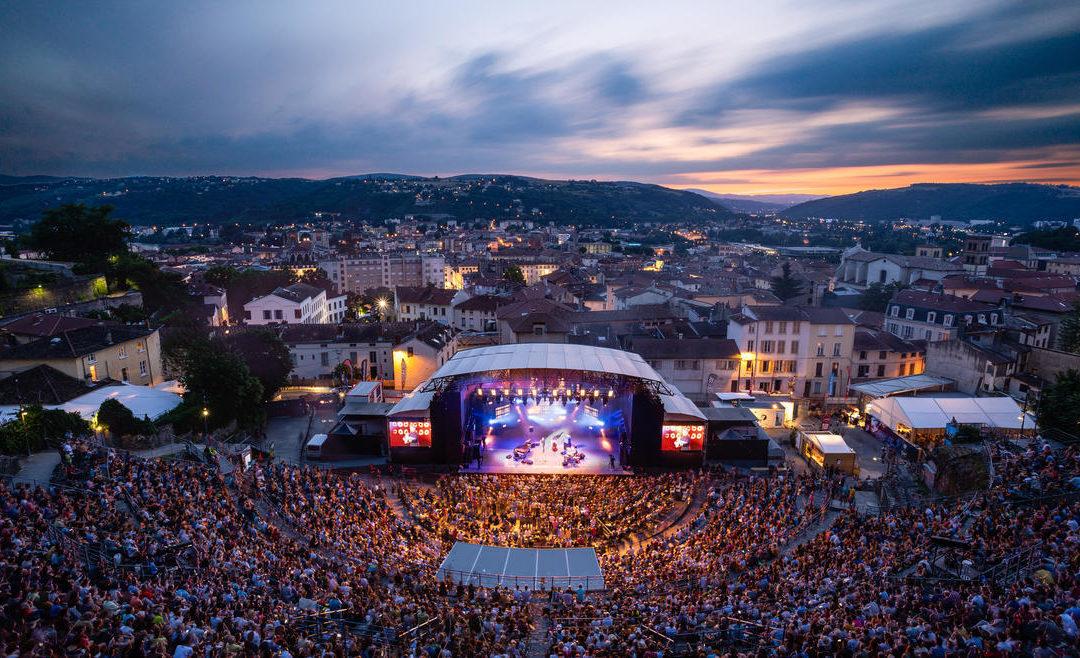 Promotion de l'édition 2019 du Festival Jazz à Vienne avec la dépose publicitaire et l'affichage PromoPiéton