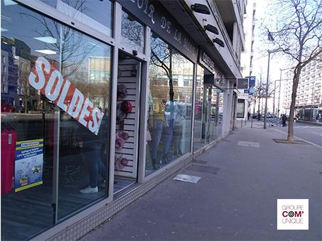 Affiche A3 mise en place dans les commerces de proximité de Lyon - Groupe Com'Unique