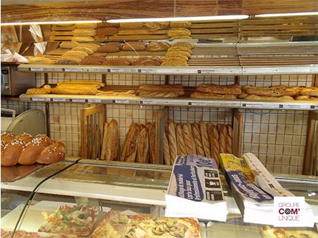Campagne de sac à pain publicitaire pour la promotion d'un magasin Toolstation  dans Lyon 8ème - Groupe Com'Unique