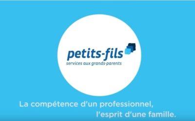 L'agence Petits-fils de Versailles communique en sac à pharmacie publicitaire pour promouvoir ses services d'aide aux personnes âgées